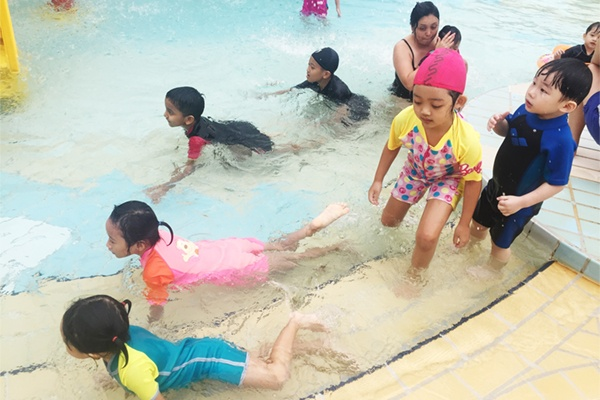 Holiday Intensive Swimming Lesson In Singapore
